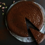 flourless chocolate cake square resized