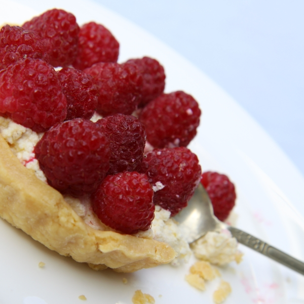 ricotta raspberry tart4 square resized