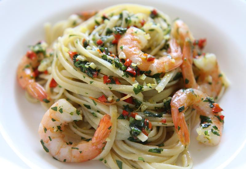 Chilli prawns with pasta