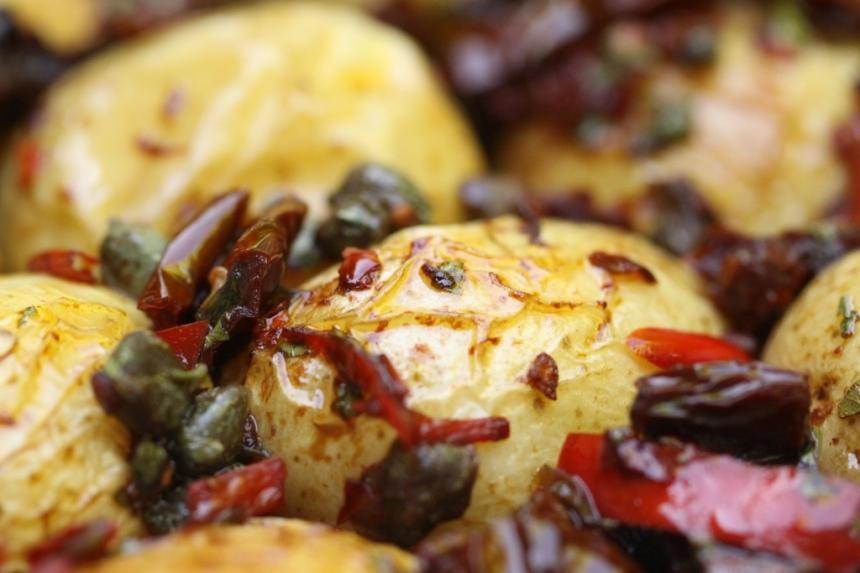patatas puttanseca2 resized