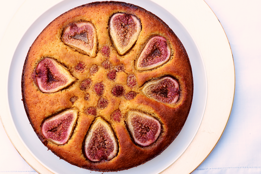 Almond fig cake